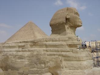 Pyramide de Gizeh et sphinx