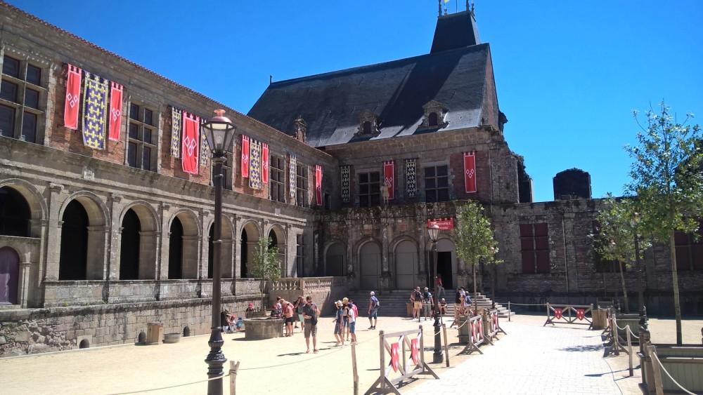 Le Puy du Fou, La Renaissance du Château