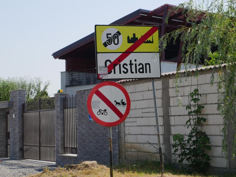 Roumanie, Panneau de signalisation