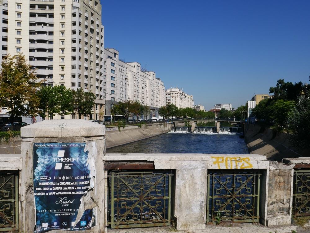 Roumanie - Dans les rues de Bucarest