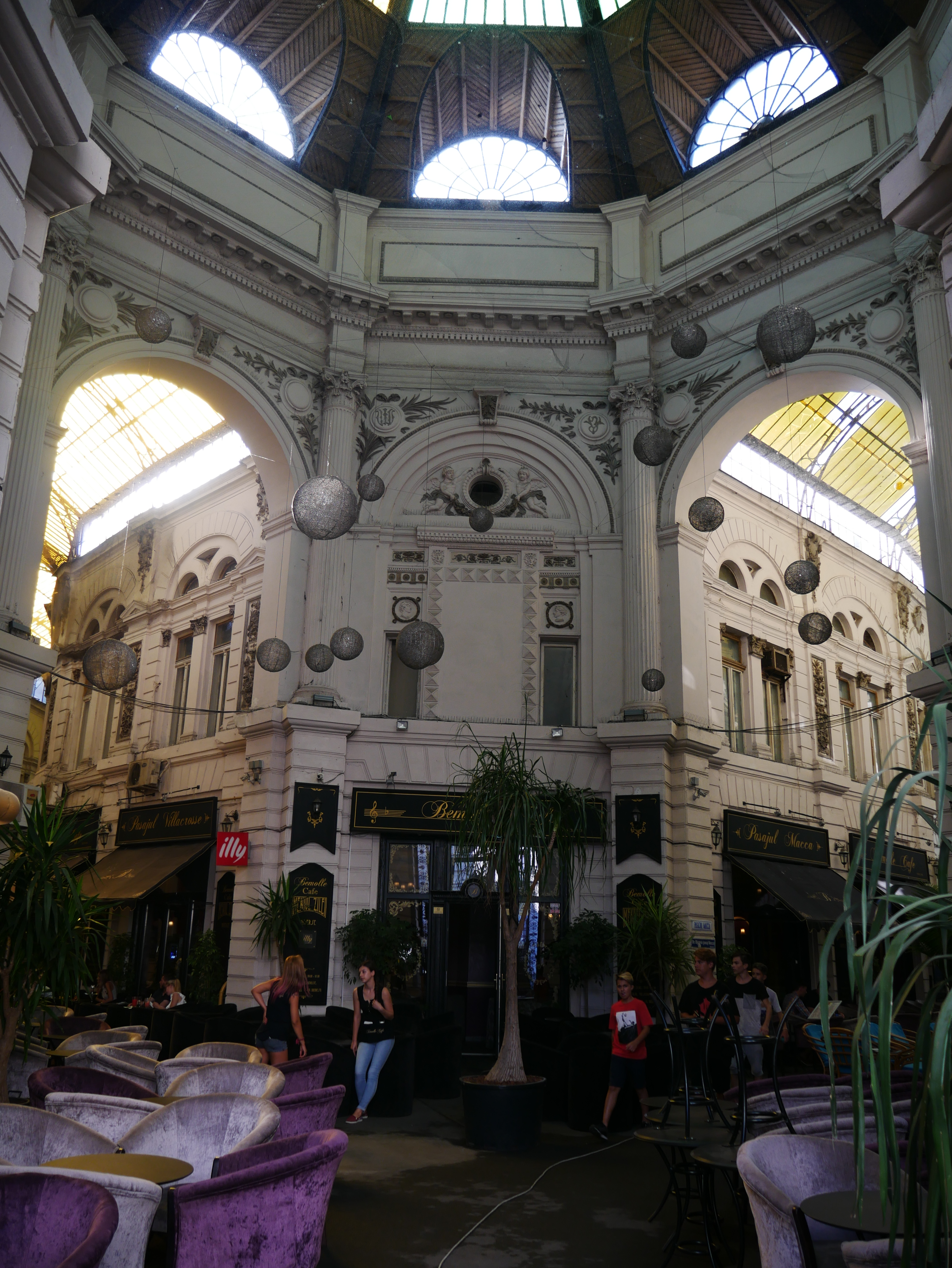 Bucarest - Passage Macca-Villacrosse