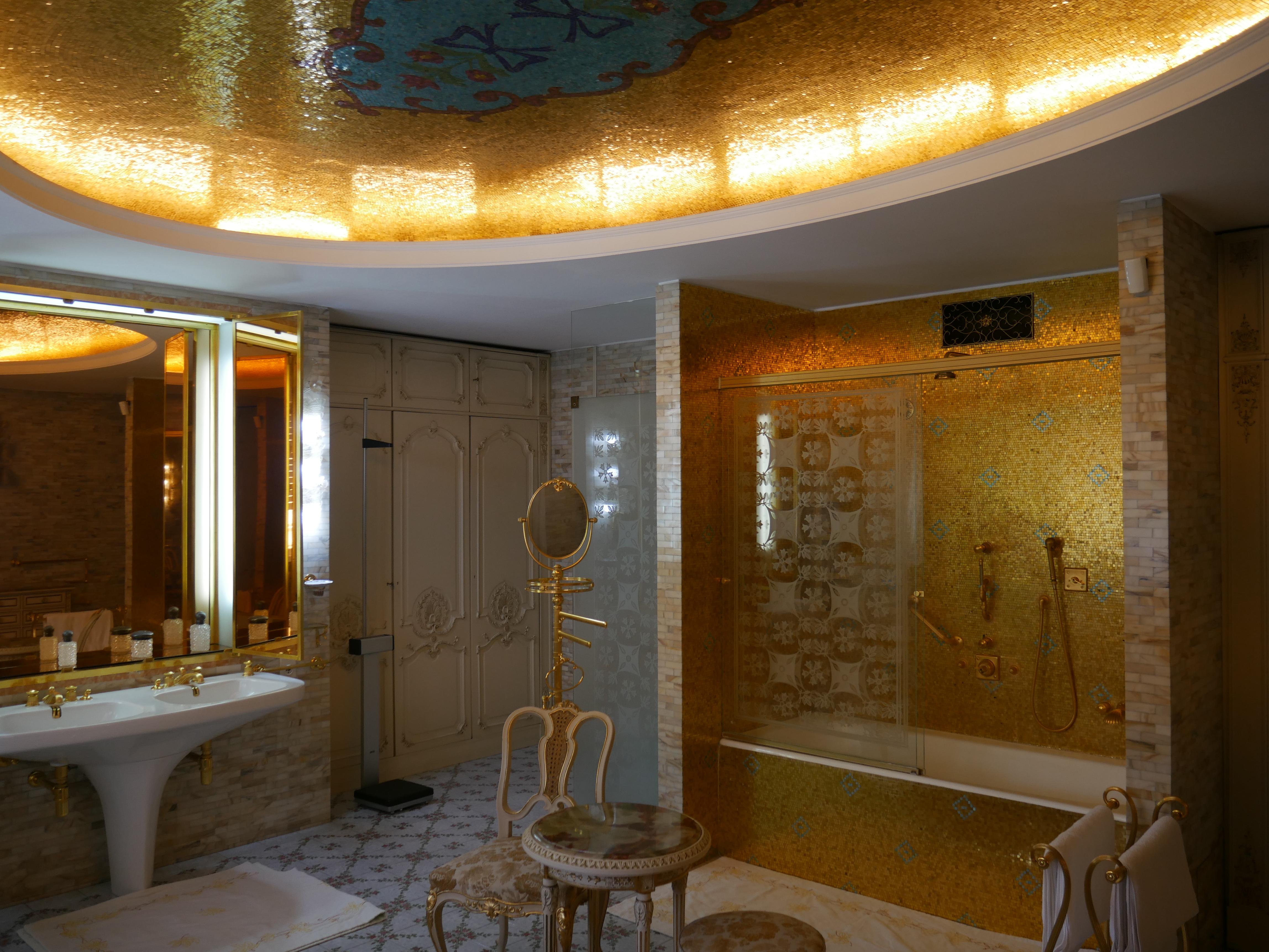 Bucarest - Palais du Printemps - Salle de bain