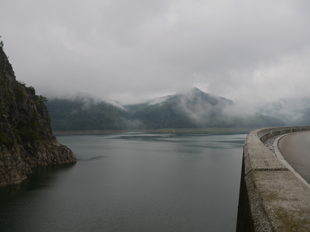 Roumanie - Transfagarasan et barrage Vidraru