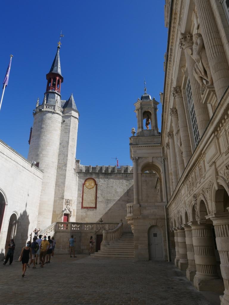 La cour de l'Hôtel de ville